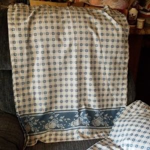 "Curtains set of 2 36"" long 27 "" wide"